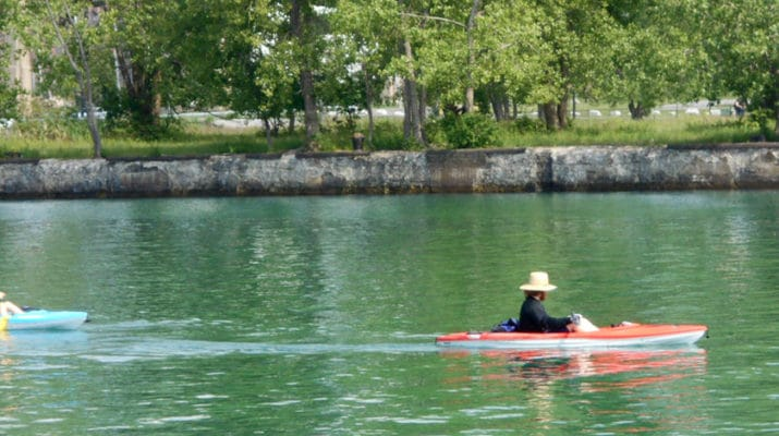 People kayak on the Buffalo River. If you have your own kayak you will find plenty of kayak launch sites along the Buffalo River. If not, you can rent one very easily.